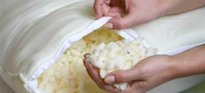 Можно ли стирать подушки из лебяжьего пуха в стиральной машине и вручную, как чистить натуральный и искусственный наполнитель?
