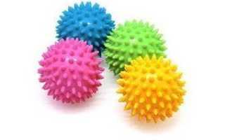 Как стирать пуховик с теннисными мячиками (шариками) правильно, сколько их нужно, описание стирки куртки в стиральной машине пошагово