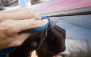 Как убрать клей от наклейки со стекла, чем снять этикетку и оттереть след, как удалить пятна, не повредив поверхность?