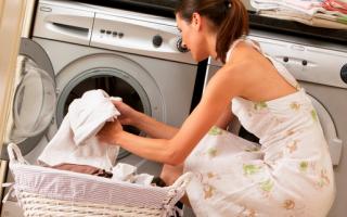 Какие вещи можно стирать вместе в стиральной машине, а какие нельзя: как правильно обрабатывать, советы по совместной стирке белья